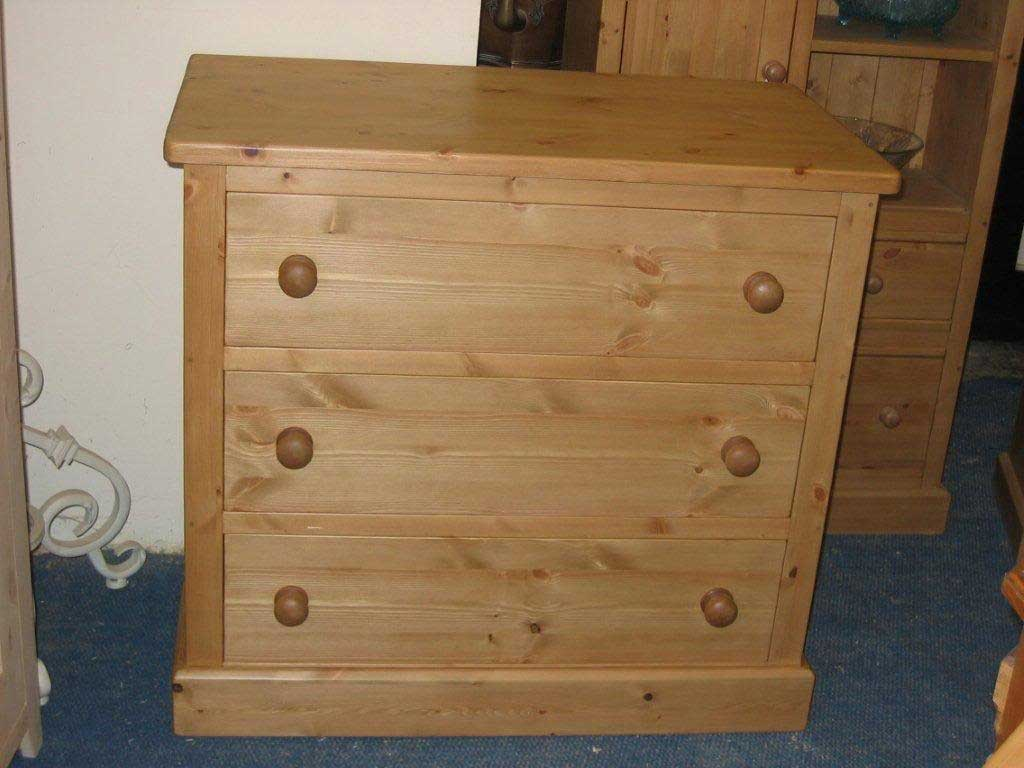 3 drawer chest of drawers pine waxed