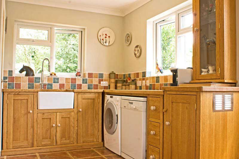 Oak hand made fitted kitchen belfast sink