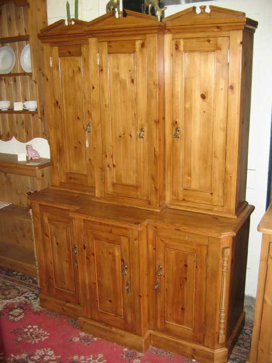 pine waxed breakfront dresser kitchen