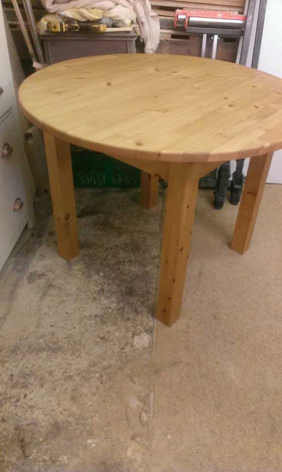 bespoke round dinning kitchen table Hythe