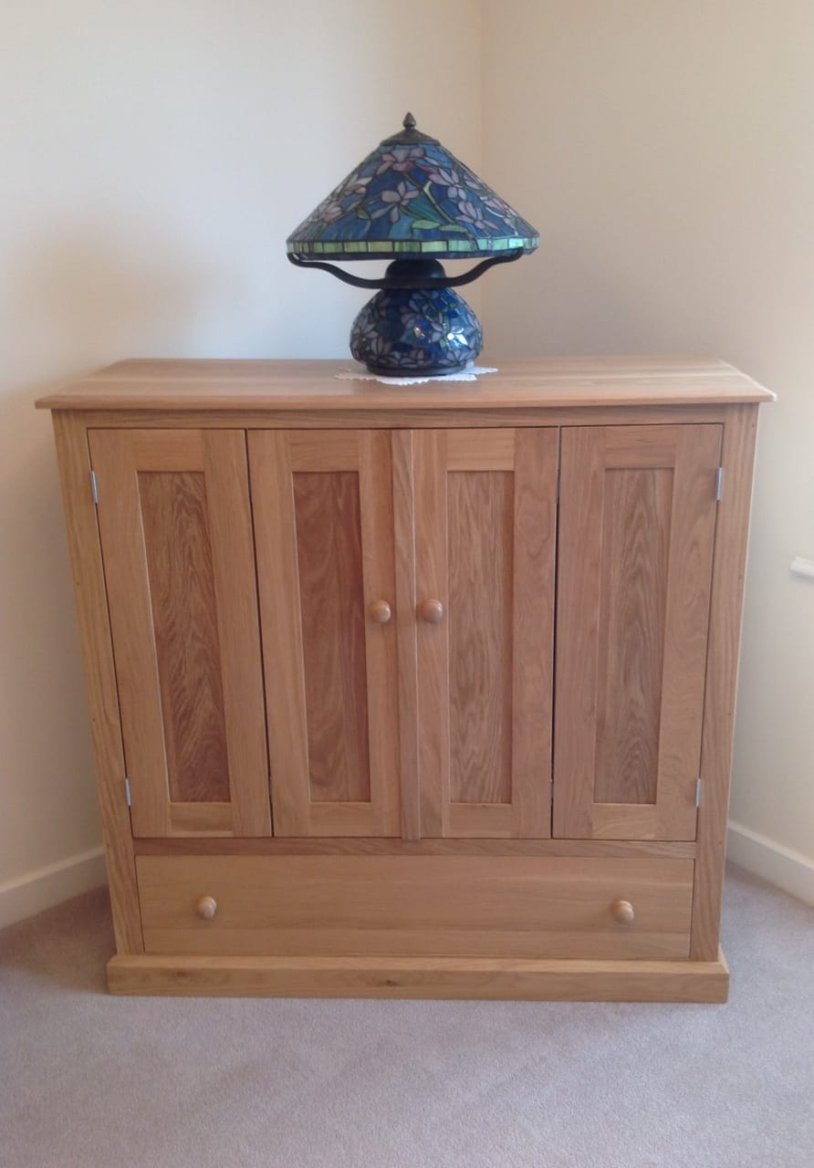 Hand made wooden oak TV cabinet Maidstone Kent