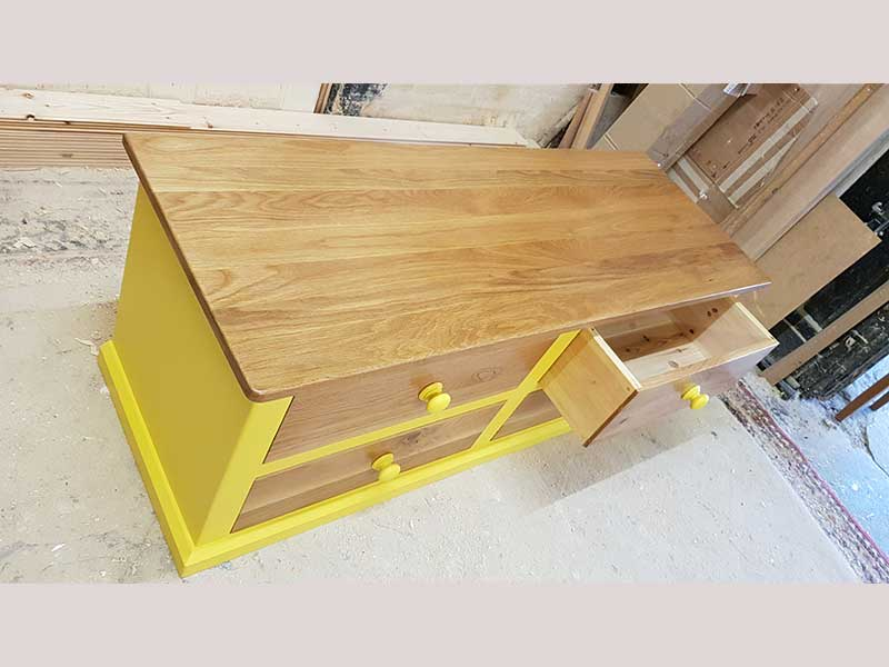Oak-coffee-table-hand-made-in-Kent-